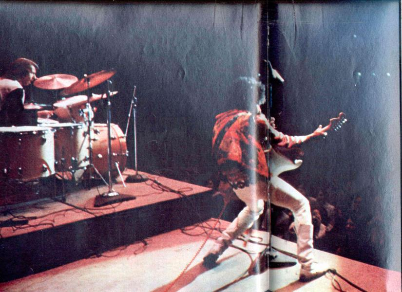 Bakersfield (Civic Auditorium) : 26 octobre 1968  Showpic.aspx?img=2044200010658